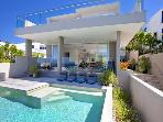 BEACH HOUSE NOOSA - Luxury Holidays