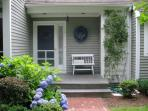 Edgartown - Bright and Sunny Condo with Pool and AC : kelr#5m