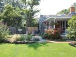 Vineyard Haven - Unique Cottage Just Minutes to Town : wild12c