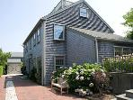 Charming House in Nantucket (9607)