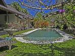 Lovely Homey Luxury Villa Isis in heart of Seminyak, pool fence available