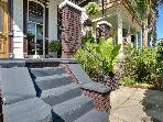 Impeccably Renovated Luxury Cottage w/Jacuzzi