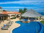 Villa Mirasol - 5BR/5.5BA, sleeps 16, beachfront