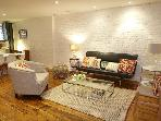 FORT GREENE Garden Apartment &amp; Backyard Sleeps 6