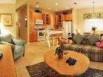 Coral Cay 4 Bedroom Town Home - 6 miles to Disney