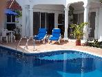 Beautiful,private pool, Vonage, Internet,clse twn