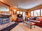 Woods Manor 103B Large 1BR WIFI Hot Tub Elevator Breckenridge Lodging