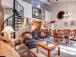 Motherlode Remodeled 2 BR+Loft Wood Fireplace Pool/Hot Tub Breckenridge Condo