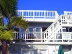 Upper &amp; Lower 3bed-2bath Each - Two Homes From Beach