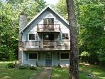 Roomy Beach Access Vacation Rental on Winnipesaukee (CRI82Bf)