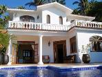 Casa Francisco - Across the street from the beach!