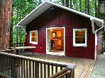"""The Little Red House!"" Hot Tub! 5 min walk to Golf Course! Brand NEW Rental!"