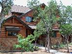 Beautiful Hilltop Cottage, Pools, Hot Tub, Lake Access &amp; Resort Amenities!