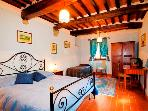 Farmhouse Accommodation in Umbria / Tuscany - La Tenuta Colonica