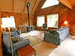 #2 - Glacier Springs Family Cabin - Pet Friendly!