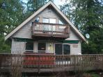Mt Baker Rim Cabin #24 - A pet friendly cabin with a hot tub and game room!