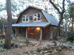 Log Cabin Getaway, Walk to the River