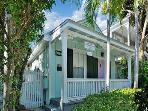 Conch Casa-Sleeps 6 - PRIVATE SPA, Just off Duval!
