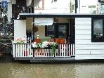 Jordaan Houseboat