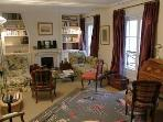 Charming 2 Bedroom/1 Bathroom, the Seine is 2 min walk-4 guests (Rue de Verneuil - apt #49 (75007))