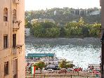 Graphic Apartment Is 60m2 Central With Danube View