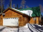 Cabin on Hunter Ridge Fully Remodeled!  4 bed + Gameroom - 2 Freedom passes included!