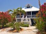 Anna Maria Beach Cottage - 2 Bedrooms - 209 Palm Avenu
