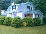 Cozy Cottage Close to Liberty University & Parkway