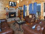 SECLUDED, 25 Mile View, Theater Room, Gas Firepit