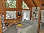Charming mountain home- cable, full kitchen, foosball, tennis