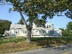 Gosnold Manor 400 Yards from Veterans Park Beach