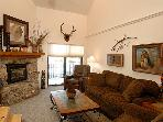 Charming Condo with Great Views - Perfect for Winter and Summer Trips (1122)