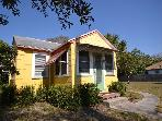 Starfish Cottage - Adorable, Small Pet Friendly, Walk to Gulfport Waterfront!