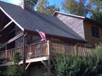 Eagles Rest 3BR,log cabin just below mtn top
