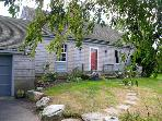 Superb Location on Quiet Laneway near Sakonnet Pt