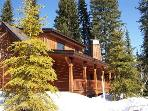 Sawtooth 250 - Three bedroom, Three Bath Chalet. Sleeps 6. WIFI.