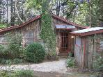 Stone's Throw Cabin - Close to Town & Mirror Lake