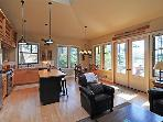 Adorable Waterview Bungalow on Orcas Island. Walk to Town & Beach!