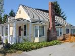 The Langley House - in town retreat - sleeps 2-14