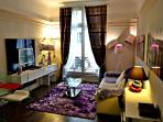 Beautiful Champs Elyses 4pax flat