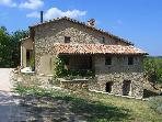 2 bedroom farmhouse apartment in heart of Italy