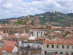 CACERES: big sunny flat with great views