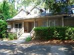 4BR, Sea Pines, walk to beach, private pool-Heavens Gate