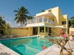 Waterfront Home, stunning sea views, private pool, 15 mins to Paradise Island