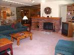 Deluxe Snowmass Condo - Ski-in/Ski-out (7522)
