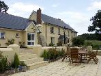 OAKTREE COTTAGE, pet friendly, character holiday cottage, with a garden in Broadwoodkelly, Ref 1461