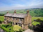 THE THYME HOUSE, en-suites, off road parking, gardens, in Haworth, Ref 19871