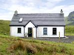 RIDGE END COTTAGE, family friendly, character holiday cottage, with a garden in Conista, Ref 3578