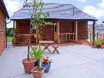 THE APPLE STORE, pet friendly, country holiday cottage, with a garden in Whitchurch, Hampshire, Ref 9786