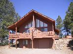 Mountain Majesty Chalet: sleeps 12, hot tub, views